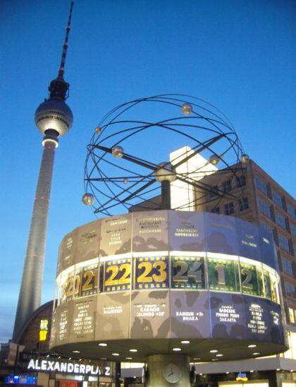 Weltzeituhr am Berliner Alexanderplatz