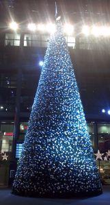 Weihnachtsbaum im Berliner Hauptbahnhof 2011