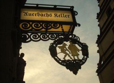 Auerbachs Keller in Leipzig - Johann Wolfgang von Goethes Faust - Der Tragödie erster Teil- Mephisto und Faust