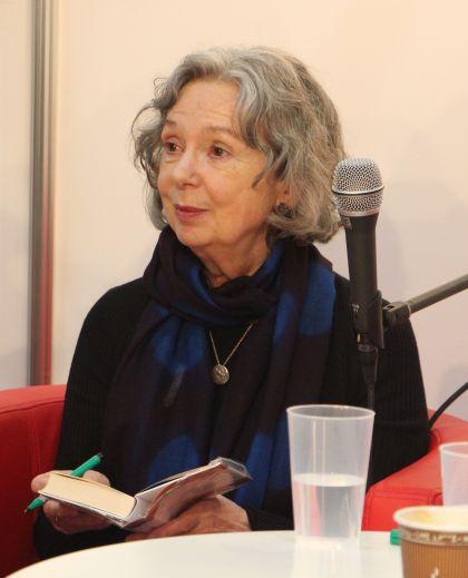Ulla Hahn signiert Leipziger Buchmesse