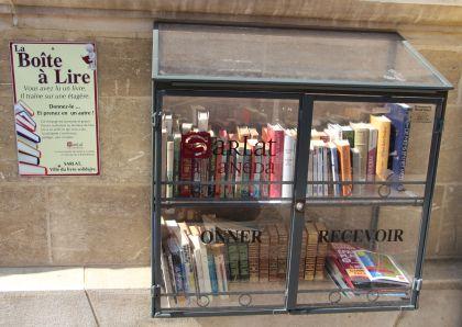 Öffentlicher Bücherschrank Sarlat Perigord Frankreich