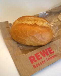 Sonntagsbrötchen bei REWE