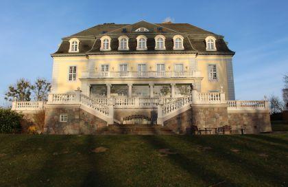 Schlosshotel Groß Plasten Vorderansicht